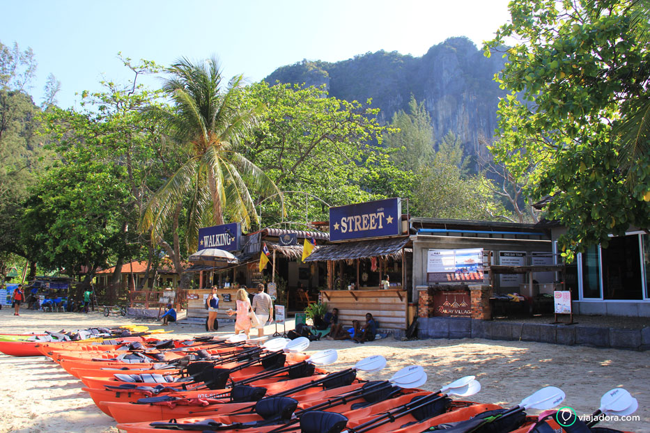 railay-west-walking-street